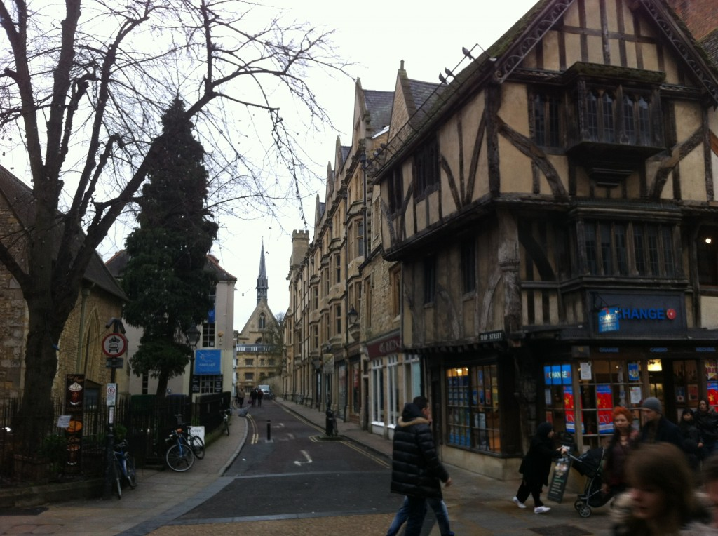 Oxford seems stuffed with nice buildings, need to return and take more photos.